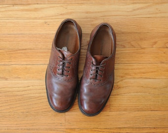 Vintage Johnston and Murphey Brown Leather Saddle Shoes mens 8 1/2