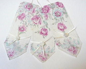 Nostalgic Fabric Tags, Shabby Yet Chic Pastel Floral Gift Wrap Tie Ons, Upcycled Vintage Ladies Hankie Hang Tags itsyourcountry