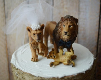 Lion and lioness wedding cake topper-family-wedding cake topper-lion-jungle-animal-family wedding-custom-cats-lion lover-cat lover-animals
