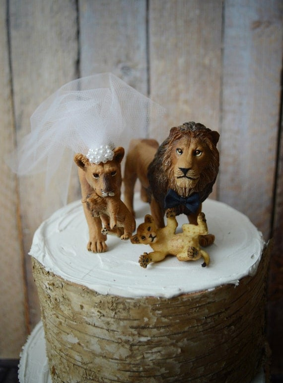 Items similar to lion and lioness wedding cake topper for Lioness and lioness wedding dresses