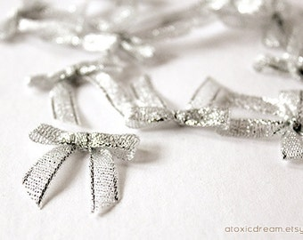24/30ct Mini SILVER Ribbon Bows - Ready For Use