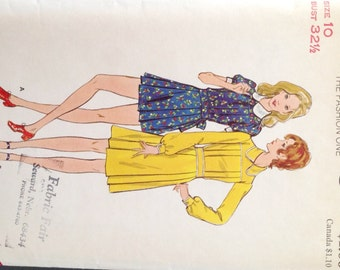 "Vintage 1960s Butterick Misses' Dress Pattern 6611 Size 10 (32 1/2"" Bust)"