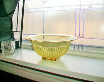 Vintage Amber Glass Mixing Bowl Federal Glass Co. 1940s 8.5 Inch