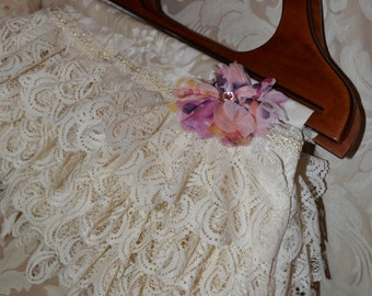 Handbag Purse Vintage Look Evening Purse Formal Heirloom Quality Lace Boho Chic Shabby Hippie Rustic Wedding Carpet bag Handbag