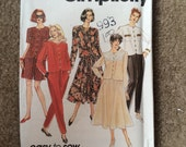 Misses Pants, Shorts, Skirt and Top, Pull-on Skirt, Pants or Shorts, Elastic Waistband, Side Pockets or Patch Pockets, Simplicity 7957 8-14