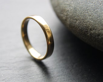 3mm 18ct yellow gold wedding ring featuring flat profile and shiny finish - made to order from recycled materials