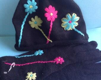 90's NWTs Joyce Leslie Knit Hat and Gloves set, crochet flowers, black, original, winter accessories, egst, Greece