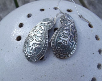 Garden songster ear rings