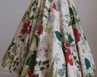 1950's Floral Barkcloth Circle Skirt - Waist 25 inches