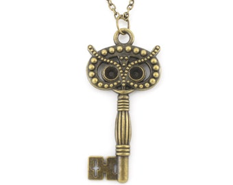 Vintage Gold-tone Lovely Cute Owl Key Pendant Necklace