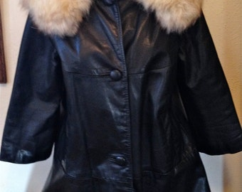 VINTAGE 1970s Incredible Genuine Black Mid-length LEATHER COAT w/ Fur Collar