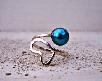 Blue Pearl Gold Ring, Hammered Gold Ring, Adjustable Ring, Heart Pearl Ring, Wire-Wrapped Ring, Bridesmaid Gift, Blue Gold Wedding, Electric