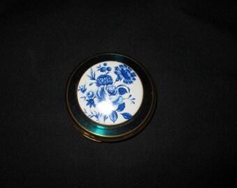 Vintage Blue and White, Enamel, Compact, Stratton [Drw]