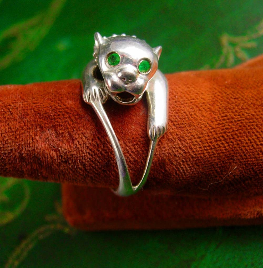 emerald cougar women Buy sterling silver expressive cougar cat, simulated emerald color eyes ring - (size 4-10) and other rings at amazoncom our wide selection is elegible for free.