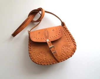 80s Tooled Leather Satchel Cross Body Purse Tan with Buckle