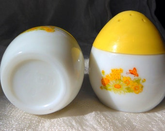 Mid-Century Modern Egg Salt and Pepper Shakers Avon 1960's White and Yellow
