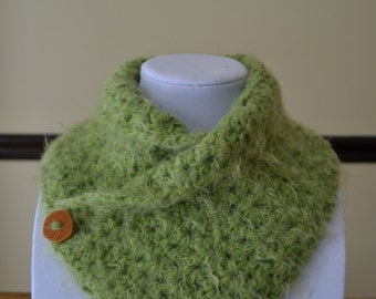 Green crochet neck warmer, cowl.