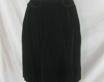 1950s 1960s Black Velvet Christmas Vintage Full Skirt W 26