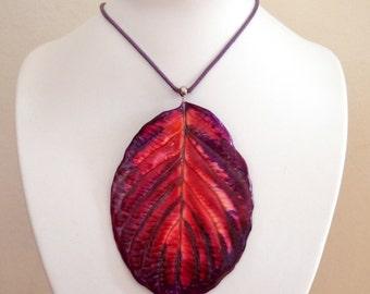Choker with Porcelain leaf - Pendant - red purple - Unikat
