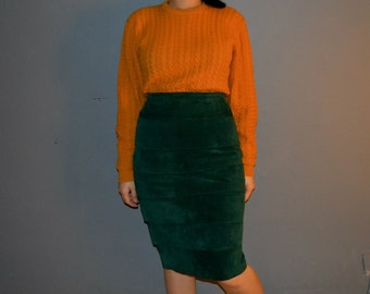 90's Danier Leather multi-layers highwaist pencil skirt in dark green jade colour made from Acetate // Size: small