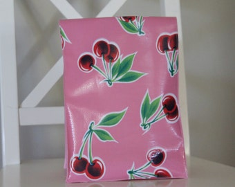 "OilCloth lunch bags "" The pink collection"""