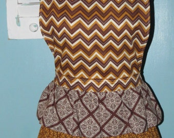 Women's ruffled full apron