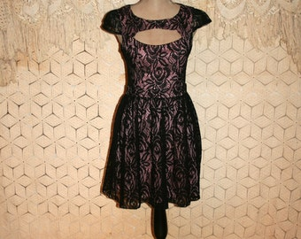 Black Lace Dress Goth Party Dress Fit and Flare Keyhole Cap Sleeve Pink Lining Open Back Full Skirt Dress Size 2/4 XS Small Womens Clothing
