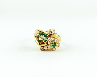 Vintage Diamond and Emerald 14k Gold Flower Ring