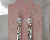 1905 Elmore Spoon Earrings with 6mm Silver Sparkle Beads