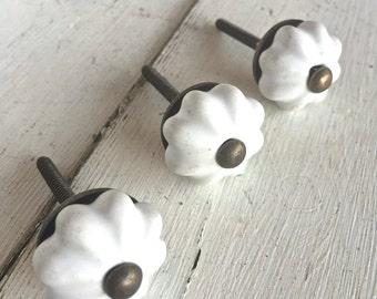White Dresser Knobs, Decorative Knobs, Kitchen Decor, Cabinet Knobs, White Kitchen Decor, White Knob, White Knobs, Kitchen Accessories