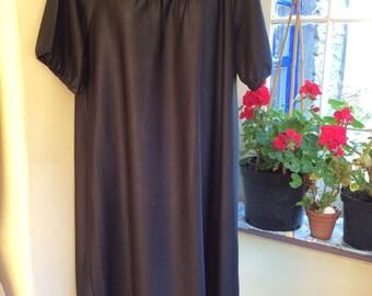 Vintage 60s housedress UK 16 UK 12 EU 44 black dolly dress