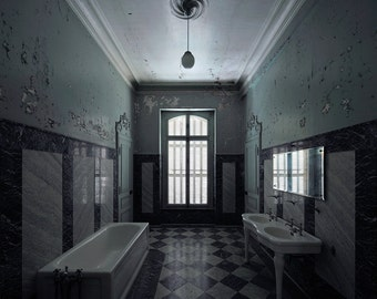 Photography of a bathroom in an abandoned castle in France