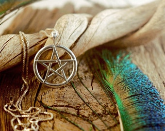 Simple Pentacle ~ Star ~ Pentagram ~ Wicca Pagan Witch ~ Sterling Silver Pendant
