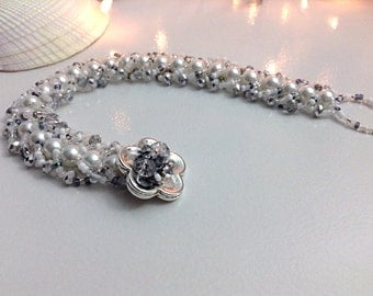Pearl and crystal beaded bracelet