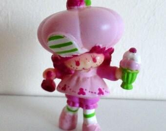 Raspberry Tart with Ice Cream Sundae mini figure