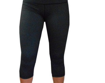 Yoga Capri Pants for Women in Gray with Hidden Pocket