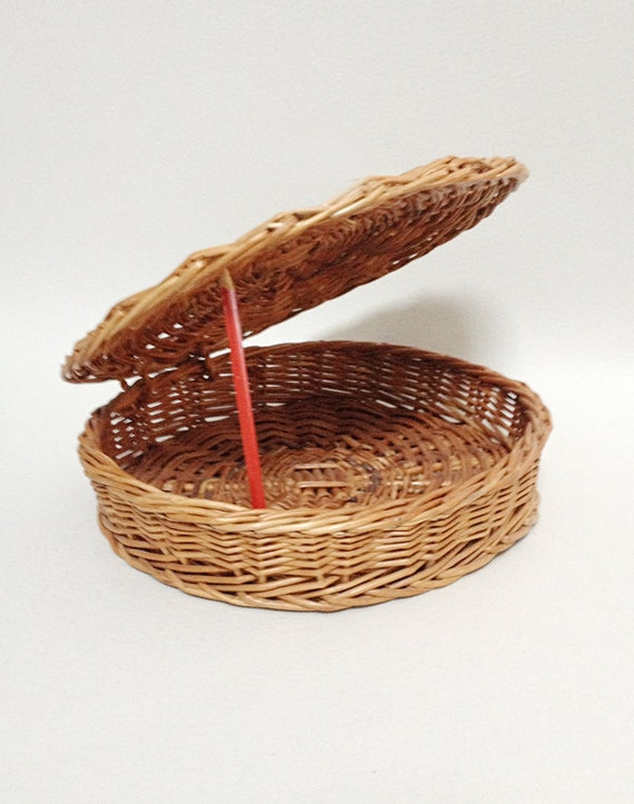 Vintage round basket with lid wicker basket by frenchbricabroc - Round wicker hamper with lid ...