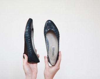5.5 wedges, dark blue wedges, wedges, Bandolino, Italian shoes, blue leather wedges, leather flats, blue flats, classy flats, woven flats