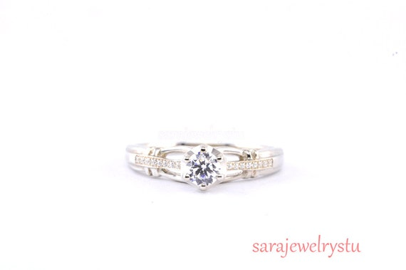 engagement ring in platinum or 14k with g si1 diamonds