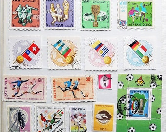 27 SOCCER /  FOOTBALL Vintage International Postage Stamps - Scrapbooking - Card Making - Collecting