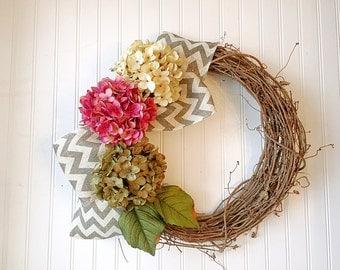 Hydrangea wreath for spring. spring wreath, wreath for door, spring decor, spring door wreath, front door wreath.