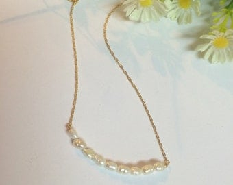 Pearl necklace / Delicate Necklace / Pendant necklace / Bridal Necklace / Pendant / Goldfilled necklace / Everyday necklace / Pearl