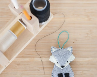 felt grey fox ornament, wolf, decorative ornament, handmade ornament, nursery decorations, home decorations, baby gift, holiday decoration