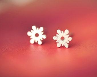 Earrings——925 Sterling Silver Snowflakes Earrings,Tiny Snowflake Earring Studs