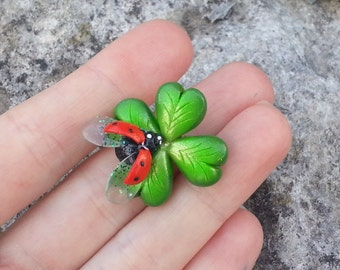Green clover brooch or pendant - 4 leaf clover pin - Polymer clay jewelry - St. Patrick's Day -Jewelry pin - jewelry pendant