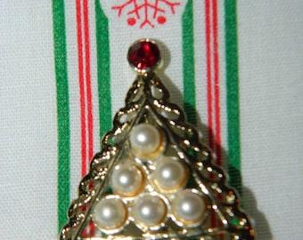 Christmas Tree Pin, Christmas Tree Brooch, Rhinestone Pin, Holiday Fashion Jewelry, Christmas Tree, Lot #5