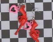 heart earrings Gun earrings pistol charm pink heart earrings vintage retro earrings rockabilly earrings jewelry gun charm Crackerjack