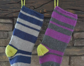 knit christmas stocking: varying stripes