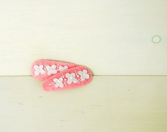 Felt hair clip - pink hairclip - white flowers