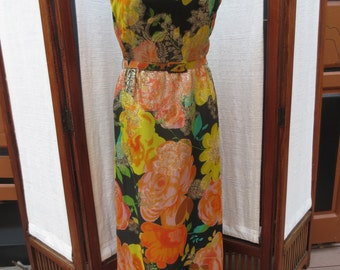 ALICE OF CALIFORNIA 1960's fully lined with original belt in perfect condition. Large